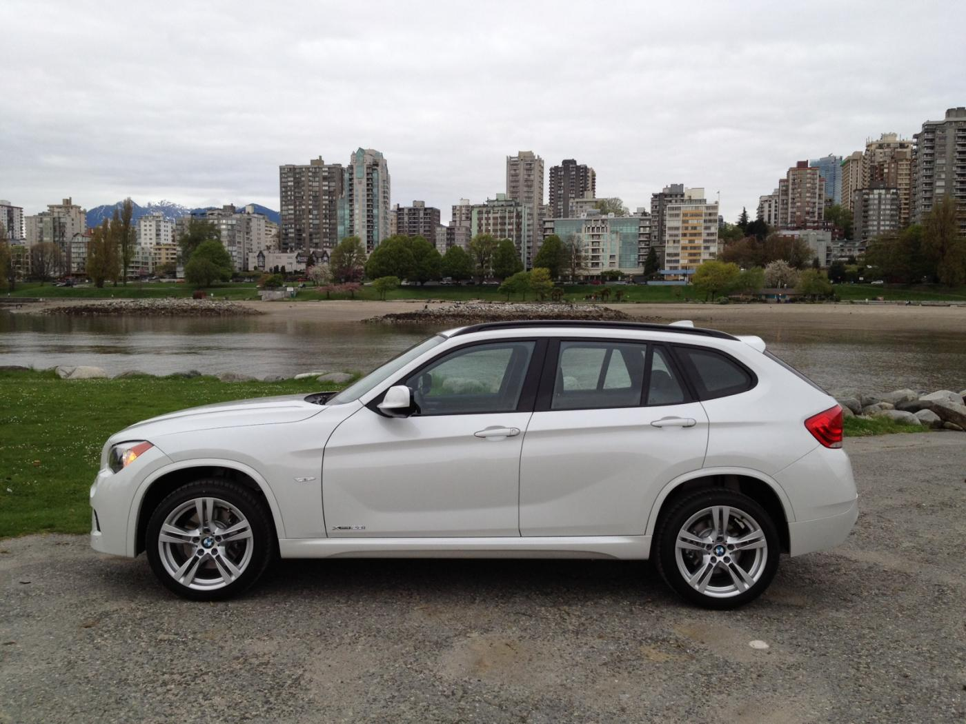 xbimmers bmw x1 forum view single post official alpine white mineral white x1 photos thread. Black Bedroom Furniture Sets. Home Design Ideas