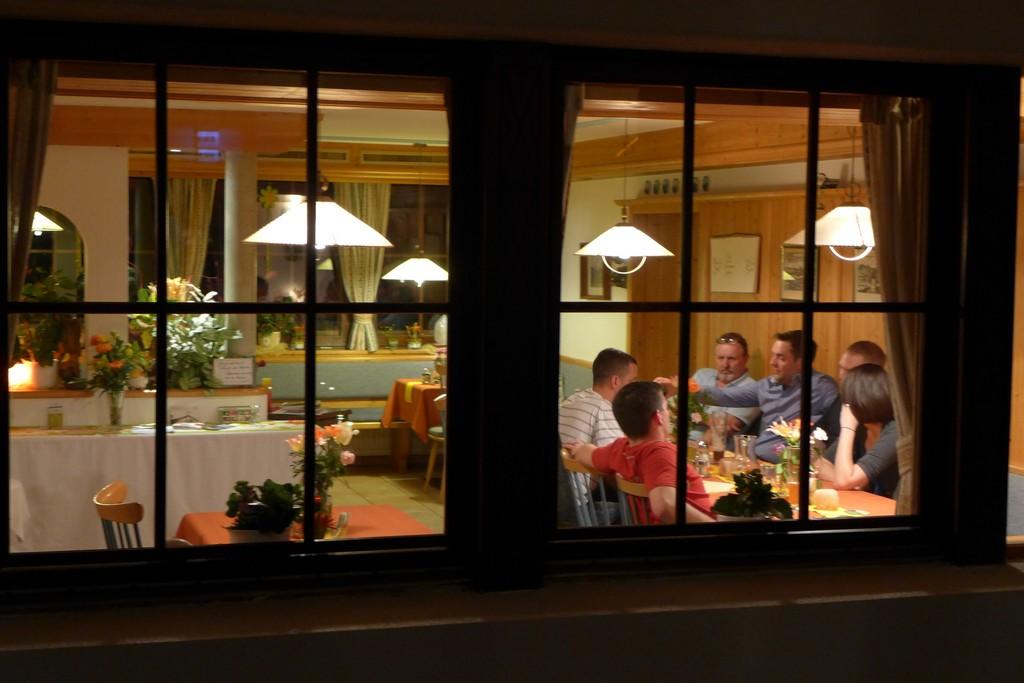 Name:  SchlossBlick Hotel near Kufstein, AustriaP1000936.jpg Views: 2319 Size:  150.4 KB