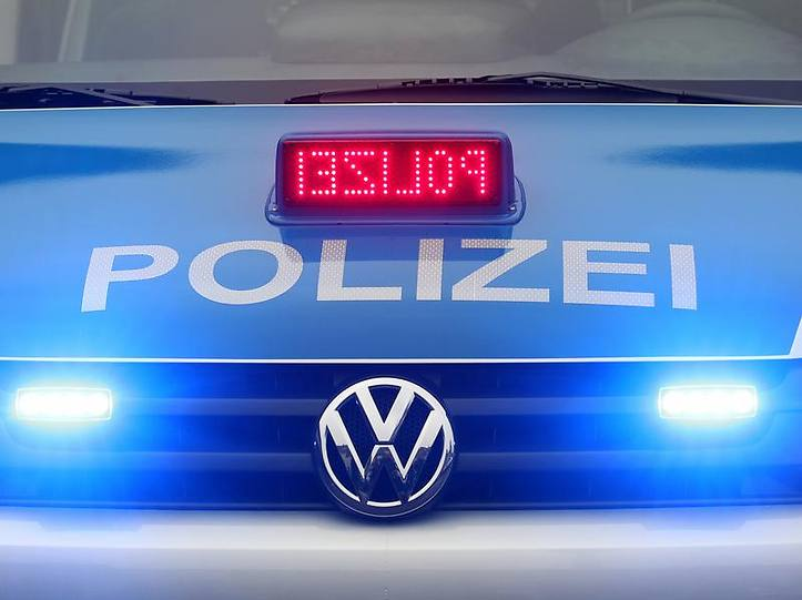 Name:  polizei blaulicht.jpg Views: 2881 Size:  37.3 KB