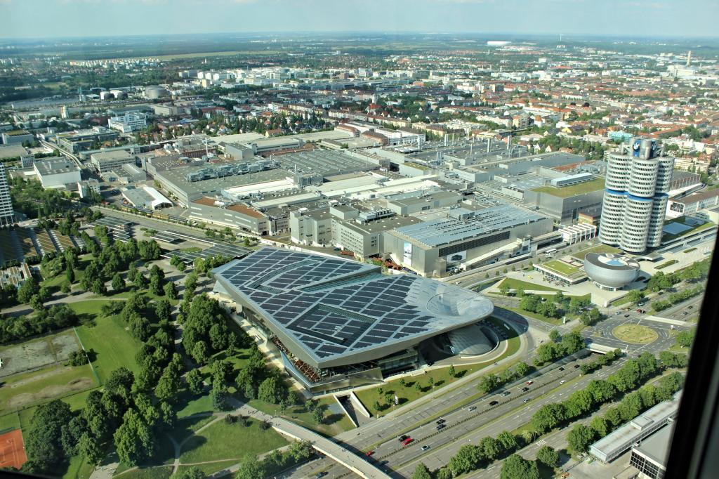 Name:  BMW Welt and Museum and WERK  IMG_8928.jpg Views: 2261 Size:  179.6 KB