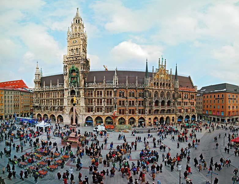 Name:  Marienplatz3279647691965_569965791_n.jpg Views: 2273 Size:  125.8 KB