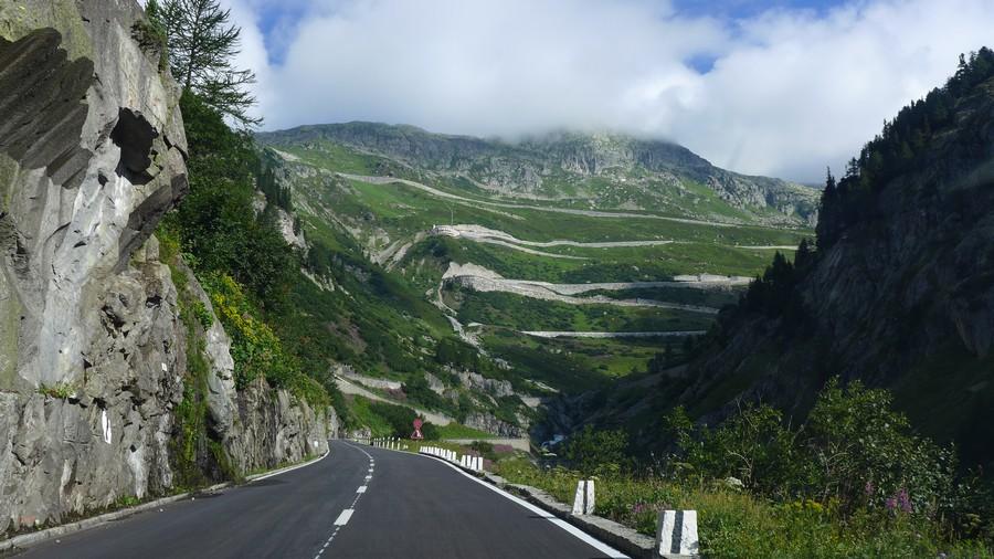Name:  Furka Pass  P1080474.jpg Views: 1519 Size:  181.5 KB