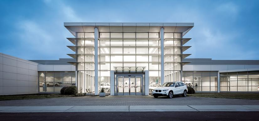 Name:  20_Years_of_BMW_Performance_Center_Driver_Training_and_Experiences_Spartanburg_SC_(2)__mid.jpg Views: 2275 Size:  44.8 KB