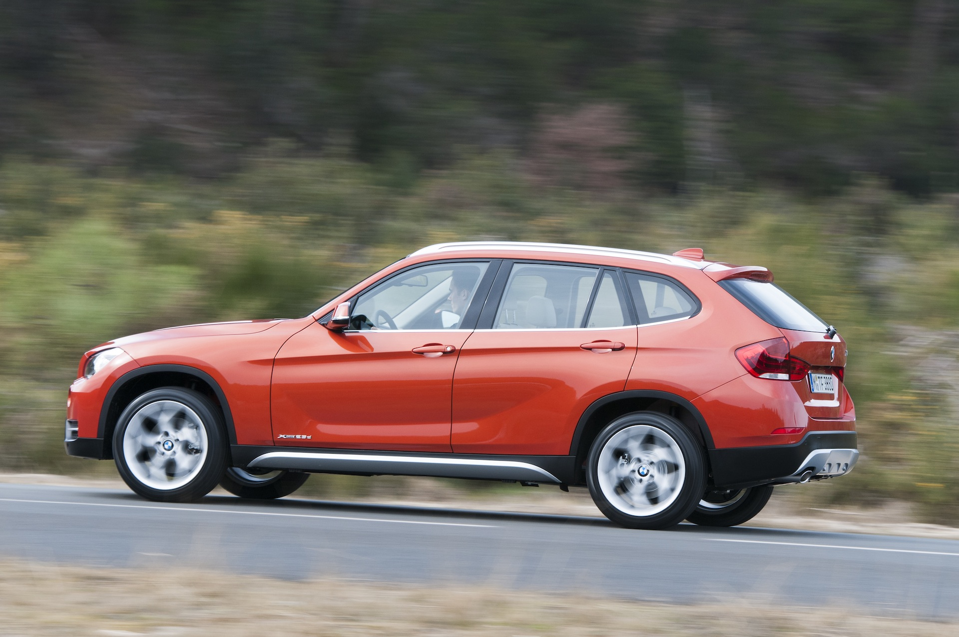 2013 bmw x1 lci and u s models information photos pricing. Black Bedroom Furniture Sets. Home Design Ideas